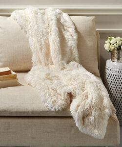 tozai-white-faux-fur-throw-50x60-M