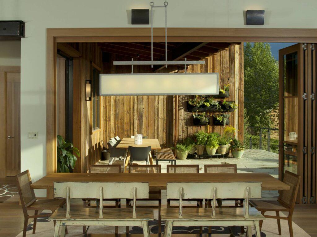 MoritzHome_DiningRoom+Deck