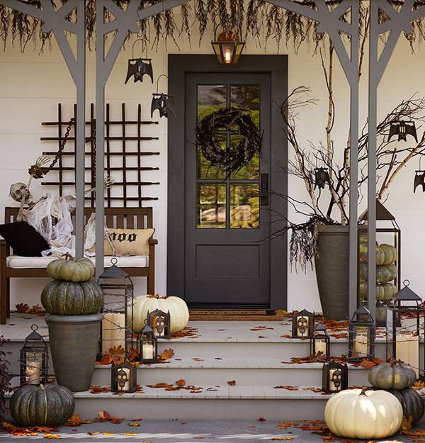 scary-halloween-front-door-designs