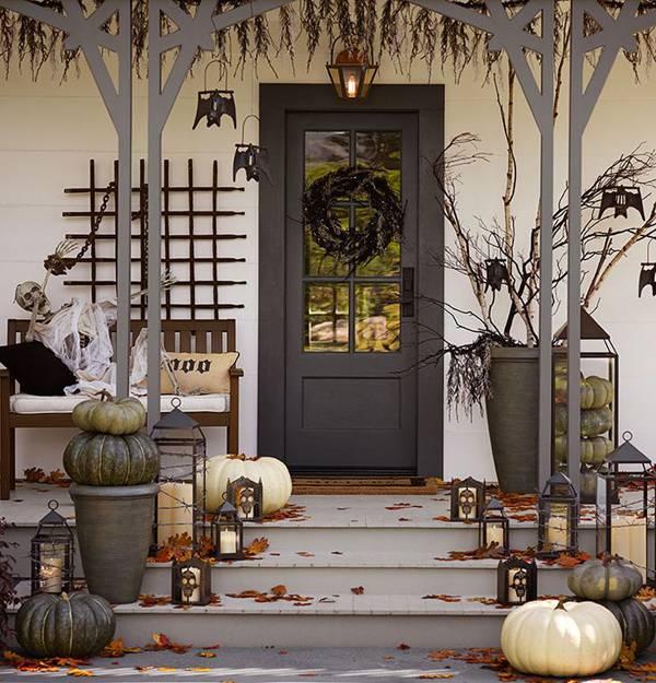 scary-halloween-front-door-designs
